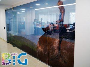 Дизайн на стикери за прозорци, http://bigprint.bg/